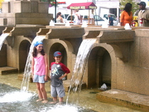 kids_copley_fountain.jpg